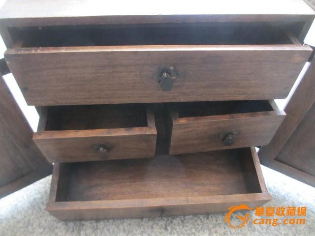 木头手提箱