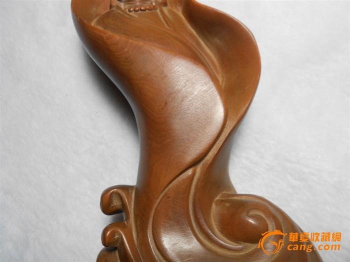 黄杨木雕刻观音像