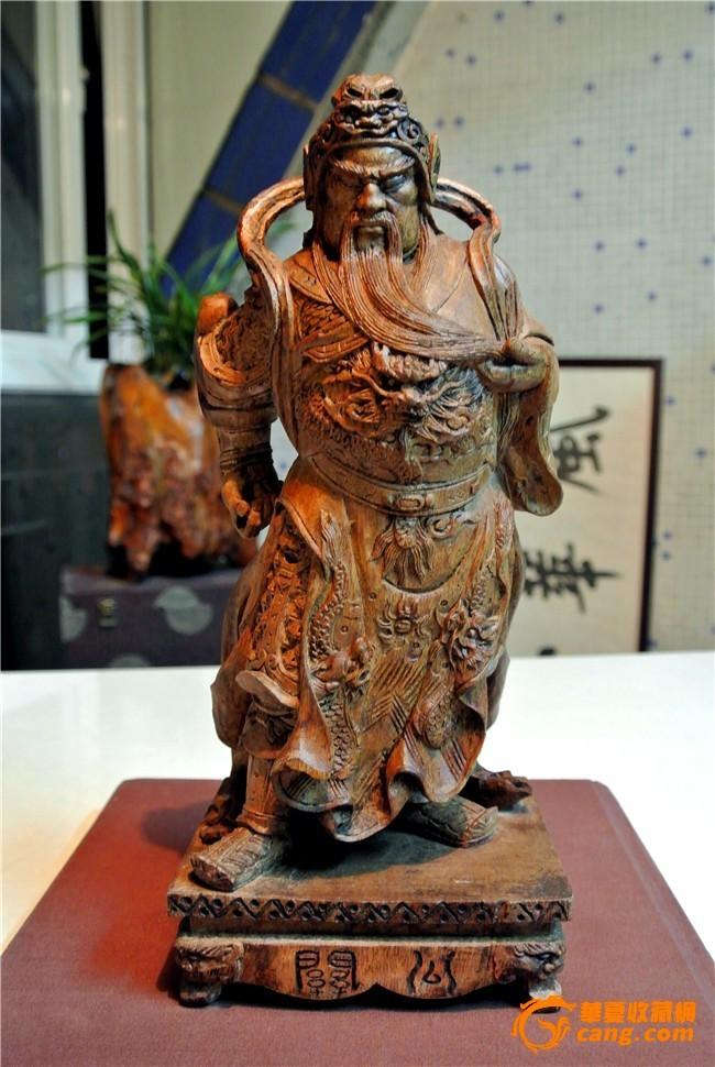 香樟木雕《关公站像》纯手工雕刻